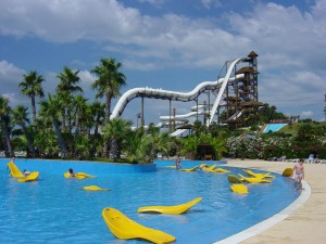 Aquapark Flamingo is situated in Urb. La Siesta, Torrevieja, 2 mins from Carrefour and the new Habaneras shopping centre